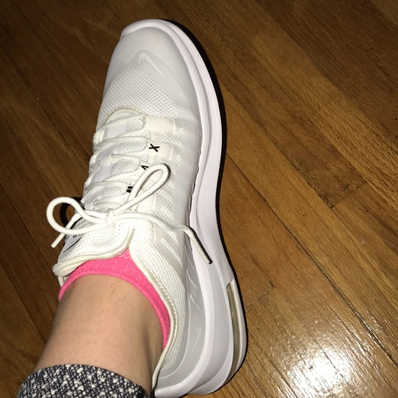 10324bc96a0 Nike Women s Air Max Axis Shoes Size 9 New. M 5bf60c88194dad00cea0d4ea
